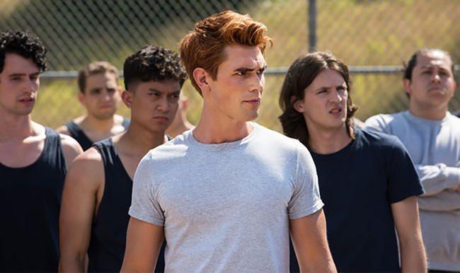KJ Apa, Ardçının Riverdale 3 -cü Mövsümün qalan hissəsində 'Öz missiyasında' olduğunu ortaya qoydu