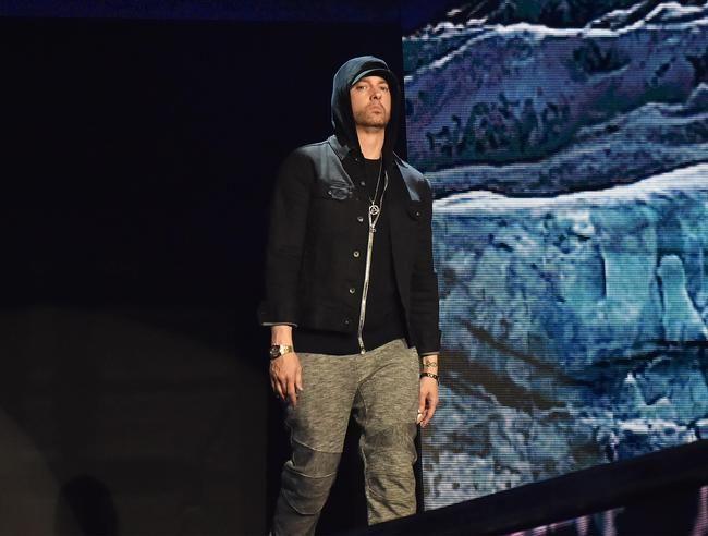 Eminem og Ed Sheeran slår seg sammen om det episke samarbeidet 'River