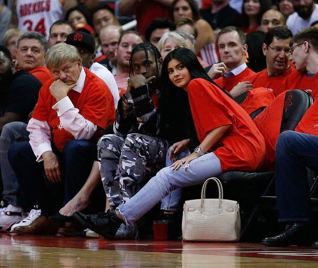 Kylie Jenner enceinte aurait rompu avec son petit ami Travis Scott