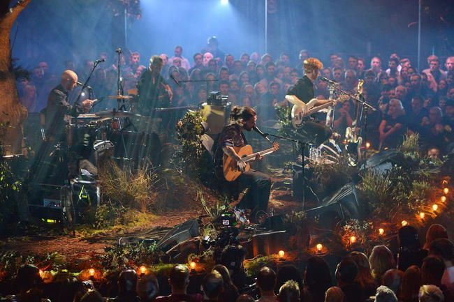 MTV Unplugged: Biffy Clyro Ta oss med inn i skogen for Utrolig Stripped Back Set