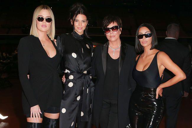 Kardashian-Jenner-familien har underskrevet en flerårig indholdsaftale med Hulu
