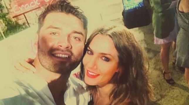 Caroline Flack kommt endlich klar über 'Muggy' Mike Thalassitis-Romantik-Gerüchte