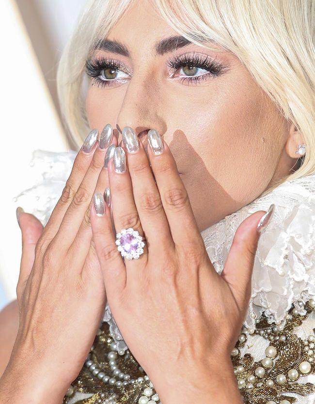 Lady Gaga'nın nişan üzüyü heç görmədiyiniz ən gözəl və ən bahalı şeydir