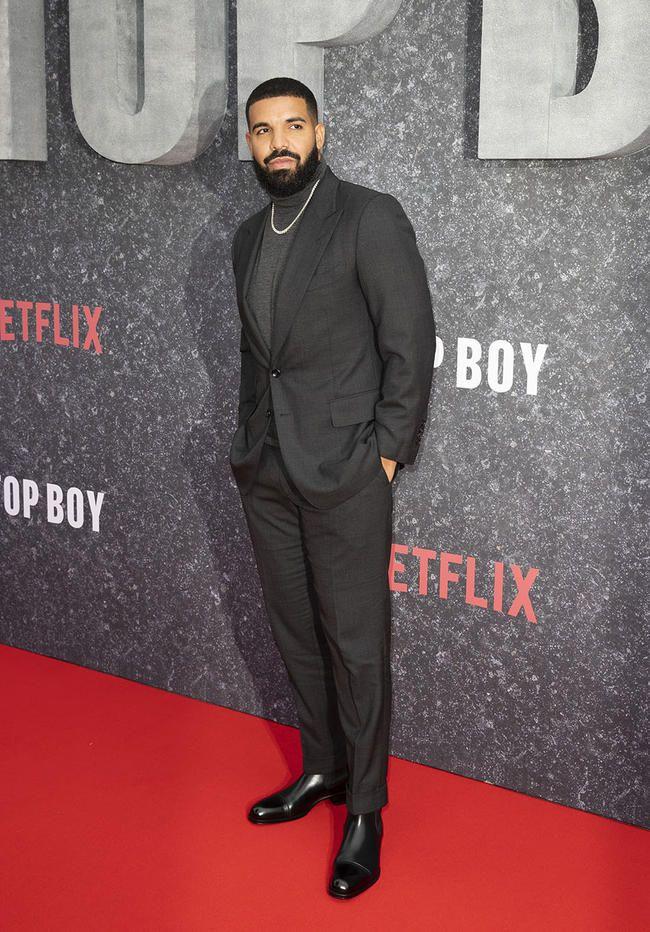 Twitter a commencé à écrire une piste de Diss pour Drake après qu'il ait été hué hors de la scène