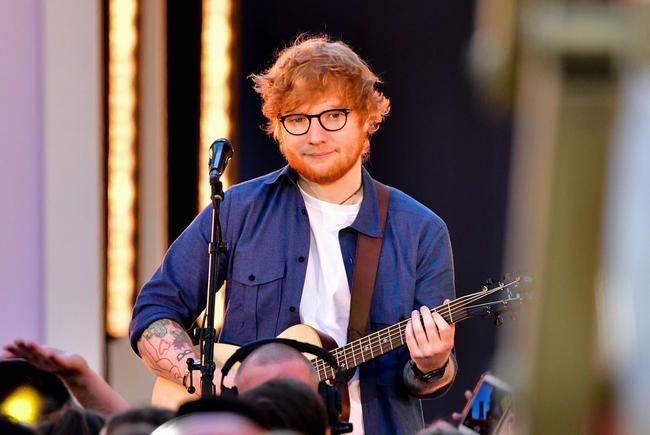 """Ed Sheeran sendir frá sér hjartnæmt """"fullkomið"""" myndband"""