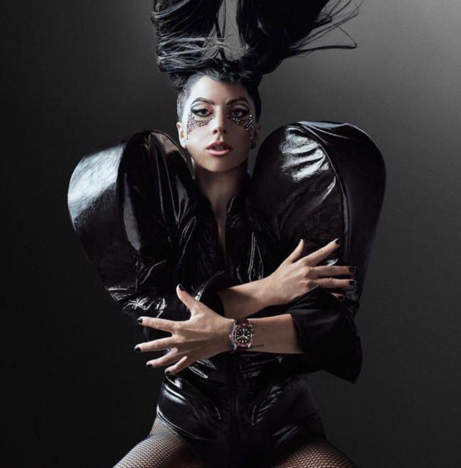 """Нови албум Лади Гага је """"АРТПОП -ова мала сестра"""""""