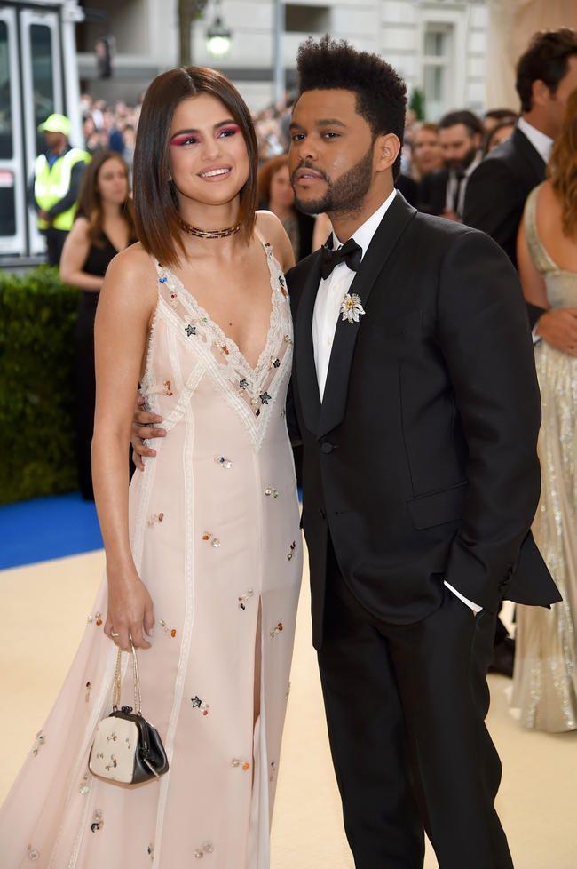 The Weeknd gikk tre år dypt på Selena Gomez sin Instagram og bryr seg ikke om hvem som vet det