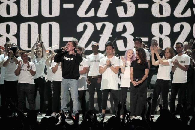 Logik, Khalid och Alessia Caras 2017 MTV VMAs prestanda kommer att ta dig till tårar