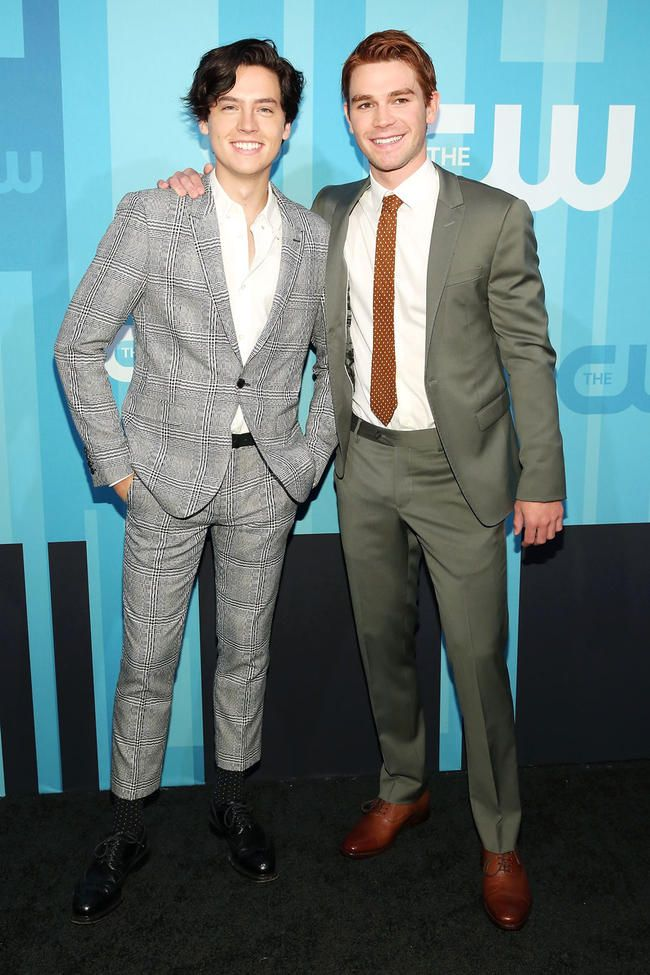 Cole Sprouse sagt, dass Jughead Jones in Riverdale sterben könnte