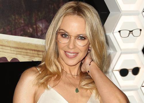 Kylie Minogue's nye single 'Dancing' kommer efter sigende i denne måned