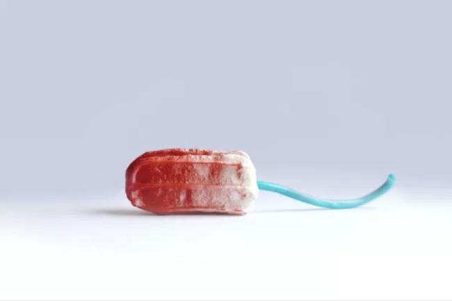 Сада можете јести крваве тампон мацароне ако сте у томе