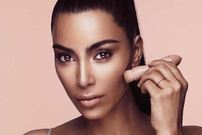 Kim Kardashians KKW Beauty Contour Kit: En veldig ærlig anmeldelse