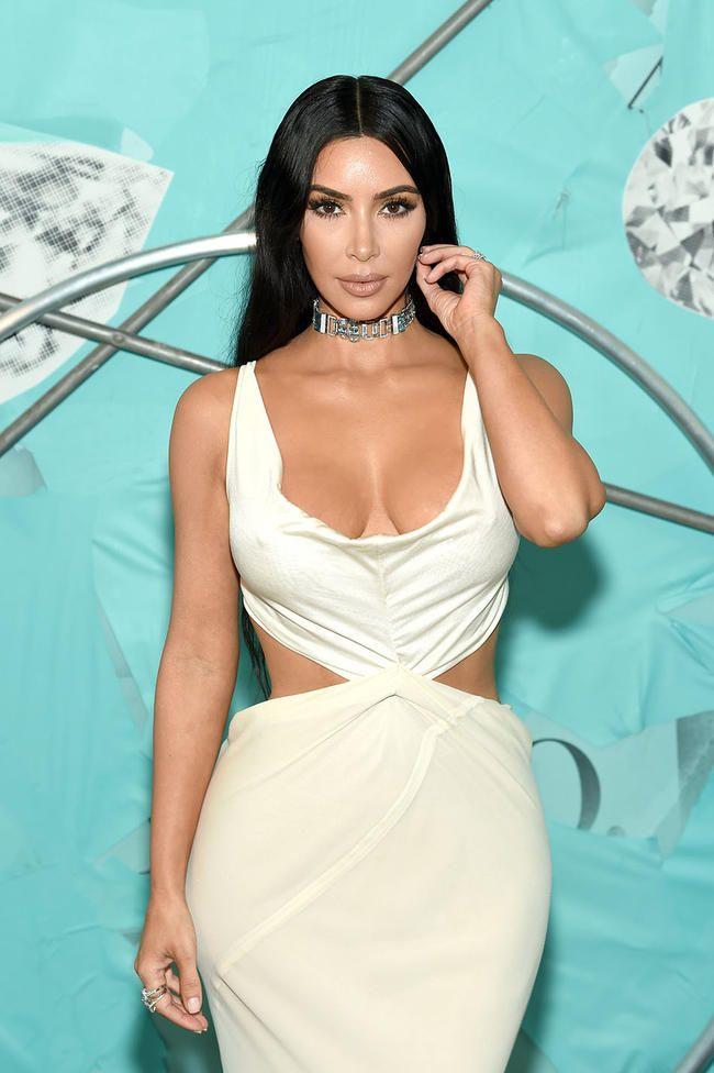 Kim Kardashian avslører at hun tjener mer penger på sosiale medier enn reality -tv