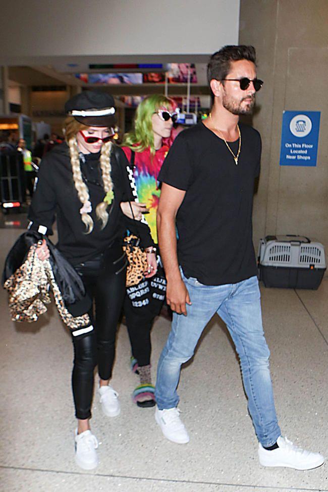 Kendall Jenner sagde til Scott Disick at aflyse Bella Thornes flyvning til Cannes