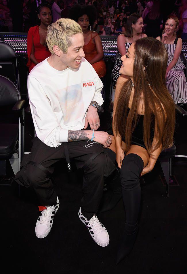 Ariana Grande elskar Pete Davidson jafn mikið og Kanye West elskar Kanye