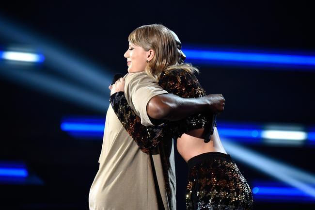 Ringede Taylor Swift bare til Kanye West for Straight-Up Revenge Porn?