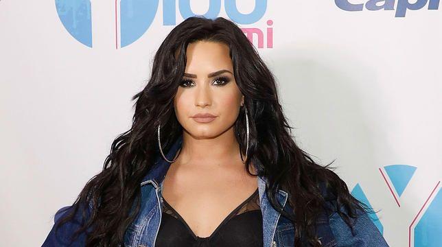 Demi Lovatos forlovelsesring er efter sigende 500.000 dollars værd