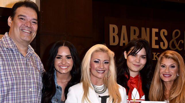 Demi Lovatos lillesøster Madison De La Garza deler følelsesmæssig besked til hende på hendes fødselsdag