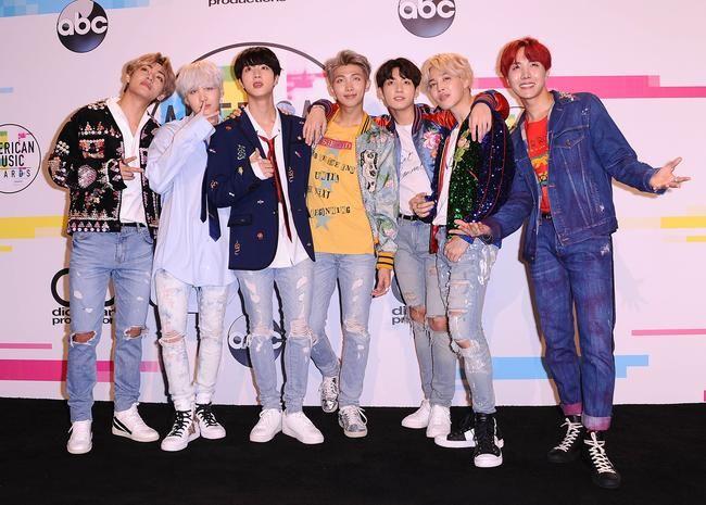 BTS представили дебютную песню MIC Drop на шоу Эллен