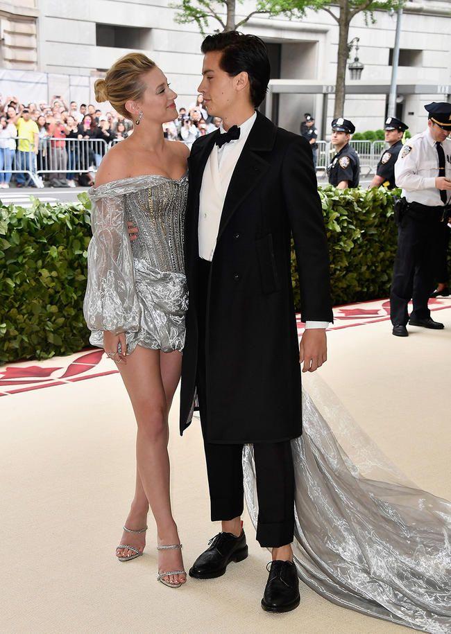 Lili Reinhart vient de couronner son petit ami Cole Sprouse son «homme le plus sexy de 2018»