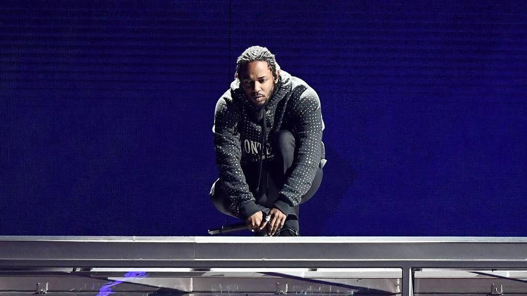 Nesvarbu, ar Big Seanas, ar Lil Wayne'as, čia yra 8 pasvirę Kendricko Lamaro svečių pasirodymai