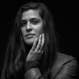 Dessa erklärt, wie man trotz Traurigkeit durch Musik und Kommunion Freude findet