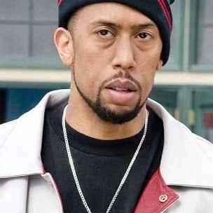 Affion Crockett montre l'usurpation d'identité de Jay-Z dans la campagne Rocawear