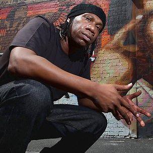 KRS-One dit qu'il ne peut pas gagner d'argent aux États-Unis en raison d'un manque de respect pour le hip-hop
