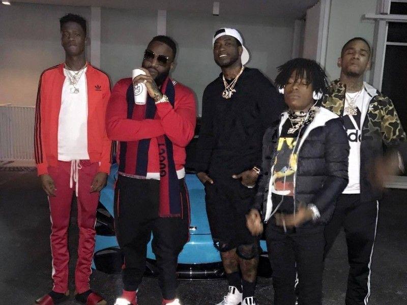 Rick Ross genforenes med Gucci Mane efter indlæggelse