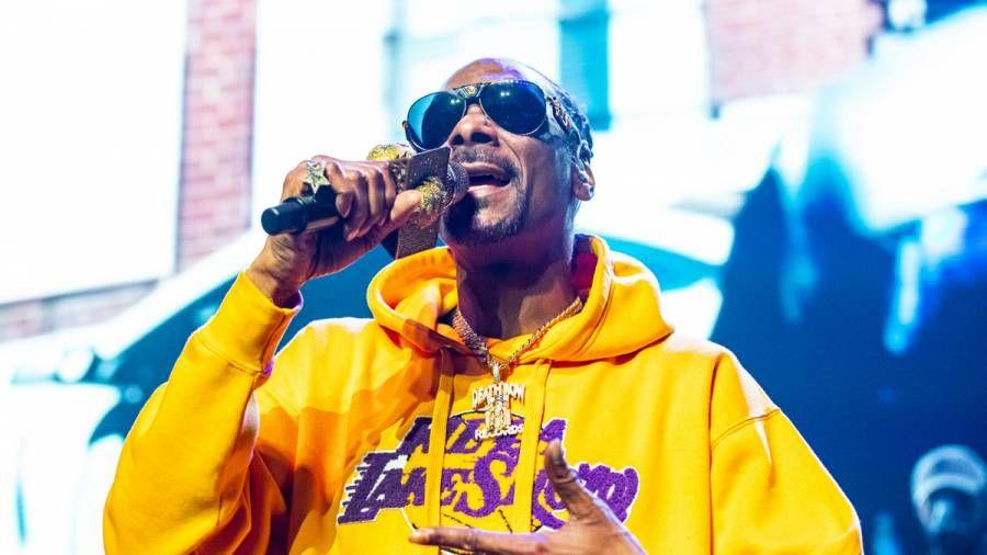 Snoop Dogg zeigt Eminem seine Liebe, nachdem er ihn von der Top 10 Rapper DOA Liste gestrichen hat