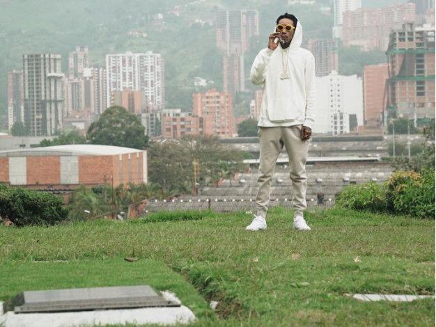 Wiz Khalifa macht den kolumbianischen Bürgermeister wütend, indem er das Grab von Pablo Escobar besucht