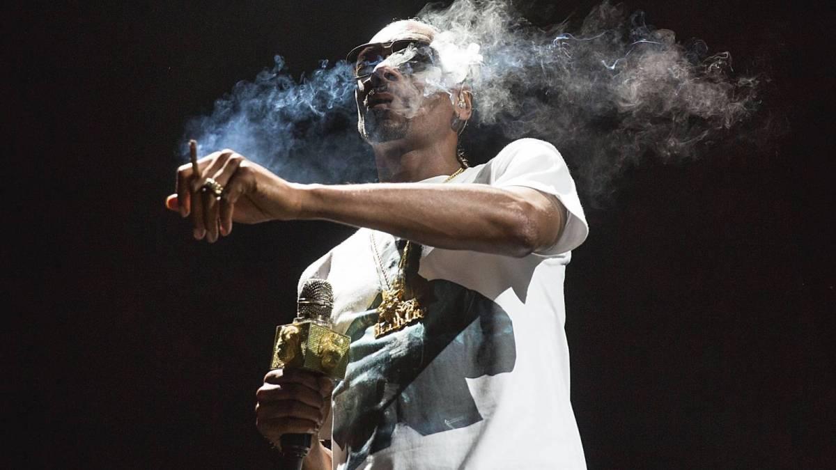 Snoop Dogg foreslår at han en gang hadde 'Puff Puff Passed' med Barack Obama