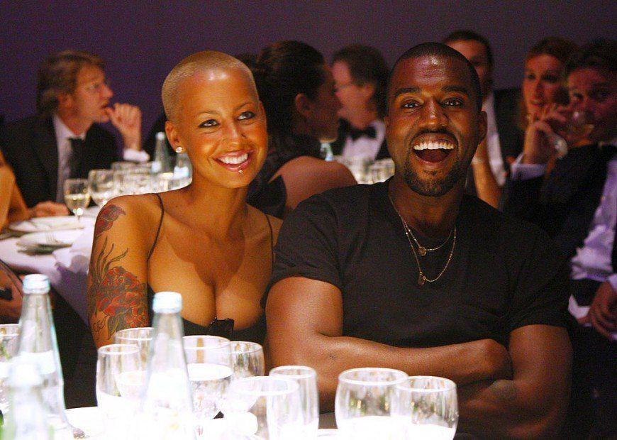 """Amber Rose sprengir Kanye West fyrir að fá """"rassinn í fingurinn"""""""