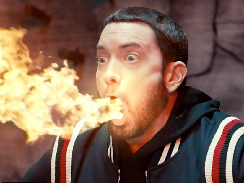 Eminem'in 'Godzilla' videosu, Wrath Juice-ə hörmət göstərir