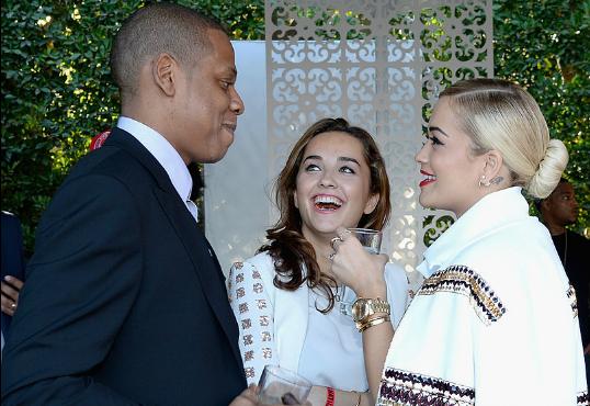 Rita Ora hängt mit Beyonce & trägt 'Not Becky' Pin bei Met Gala