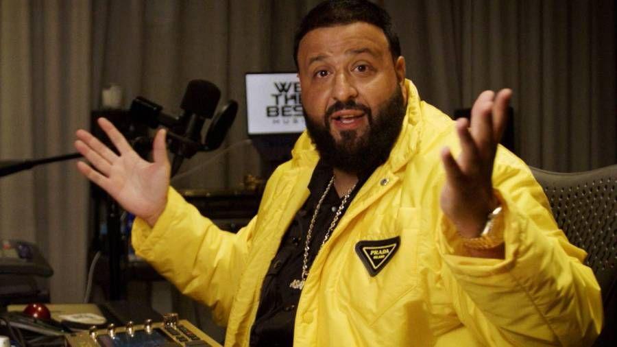 """Didžėjus Khaledas pertraukia ikimokyklinio ugdymo klasę, kad pademonstruotų išskirtinį savo sūnaus """"Nike Jordan Drip"""""""