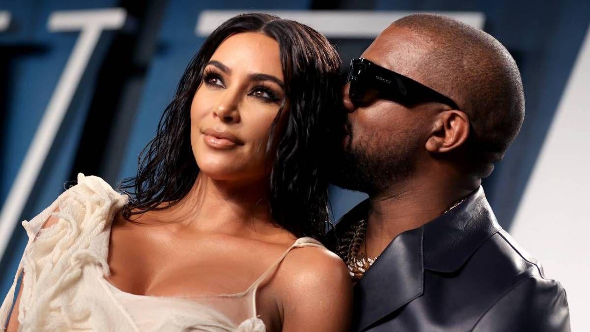 Berichten zufolge schließt sich Kim Kardashian Kanye West auf Forbes 'Milliardärsradar an