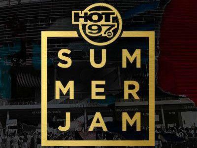 Chris Brown, French Montana, Fat Joe et Remy Ma sur la scène du stade Summer Jam