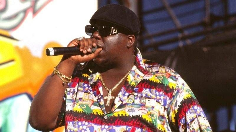 Diddy, JAY-Z et Nas intronisent le Notorious B.I.G. Dans le Rock & Roll Hall of Fame 23 ans après sa mort