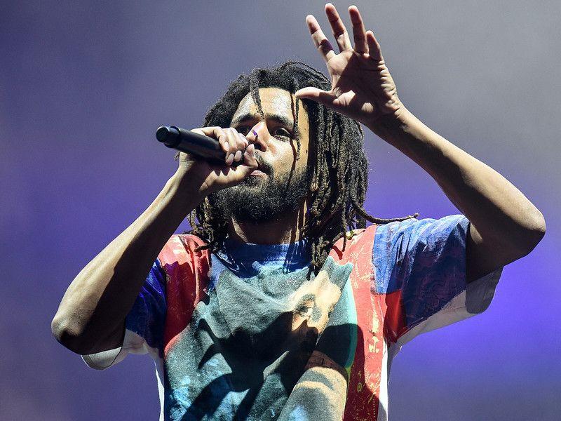 Twitter misli da J. Cole 'Srednje dijete' odbacuje govedinu Drakea Kanyea Westa