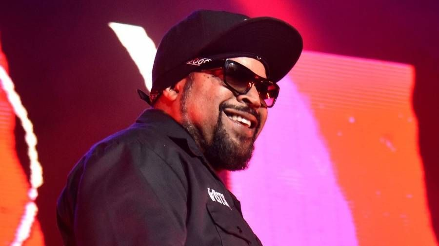 Ice Cube folgt JAY-Z & Lil Waynes Führung mit der neuen Cannabis-Linie 'Fryday Kush