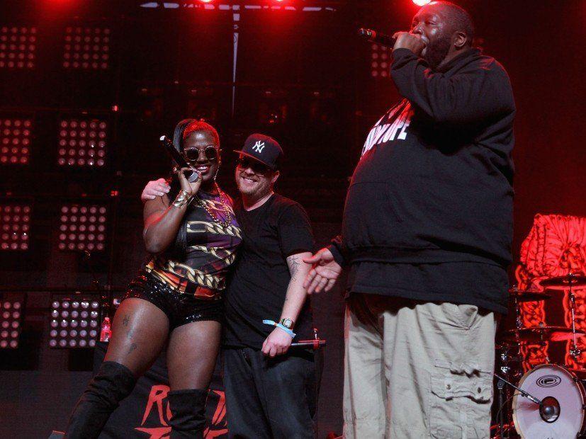Führen Sie die Juwelen & Gangsta Boo Drop Stay Gold (Remix) vor dem Adult Swim Festival