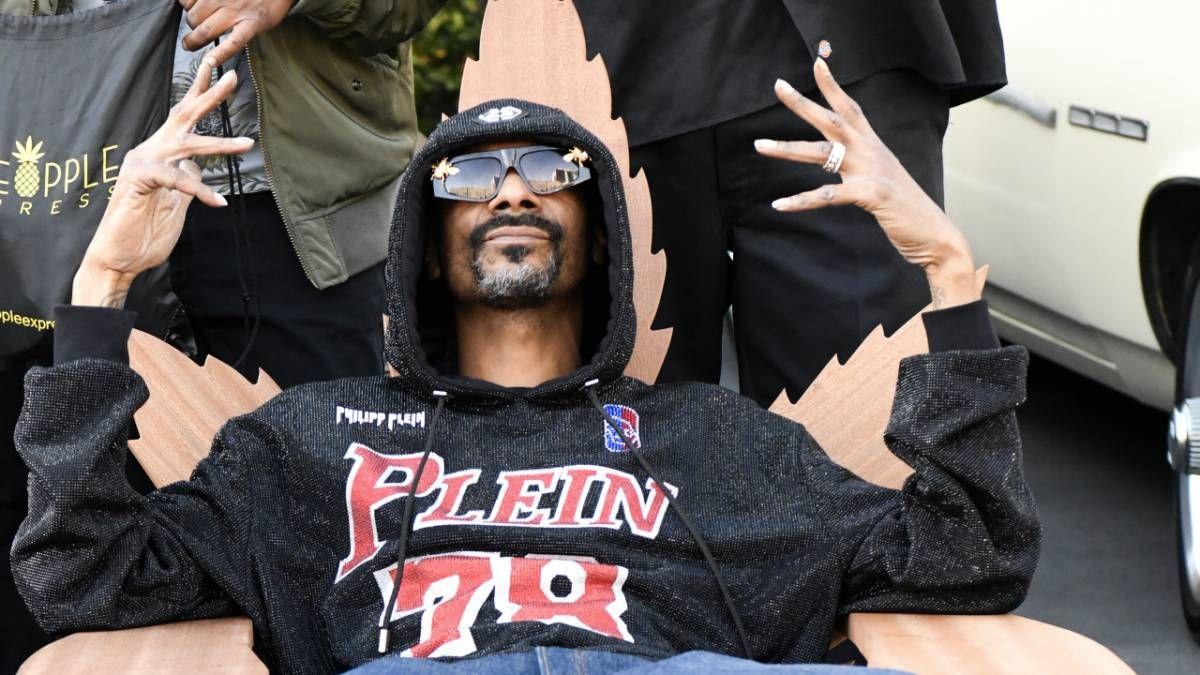 Snoop Dogg går inn i Kirk Franklin Chat med vitser og memer