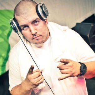 DJ Big Mike hævder, at Trap-A-Holics hjalp politiet med piratkopiering af musik