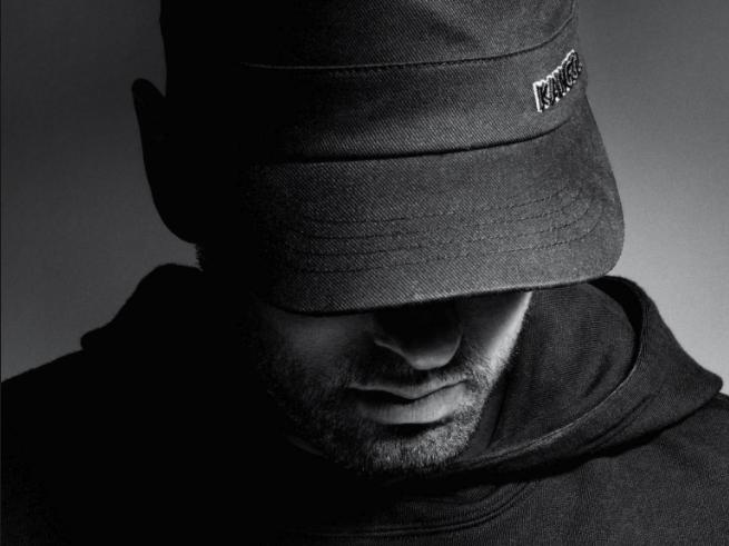 Eminemas tampa antruoju pagal populiarumą RIAA singlų atlikėju