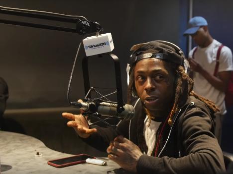 Lil Wayne enthüllt, wie viel Jay Z ihm angeboten hat, bei Roc-A-Fella Records zu unterschreiben