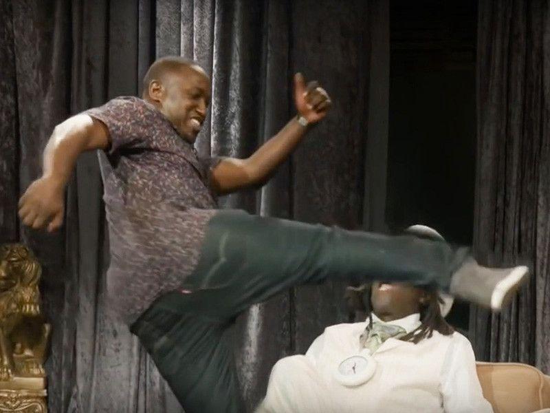 Geschmack Flav sauer 'Eric Andre Show' bearbeitet Hannibal Buress Kicking His Teeth In