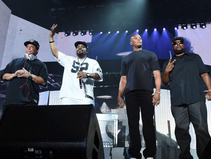 Ice Cube schaltet Fan ab, der Maschinengewehr sagte Kellys 'Rap Devil' Bests 'No Vaseline
