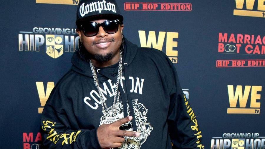 """Lil Eazy-E spricht über das Drama """"Growing Up Hip Hop"""" und warum er bei der Beerdigung seines Vaters nicht geweint hat"""