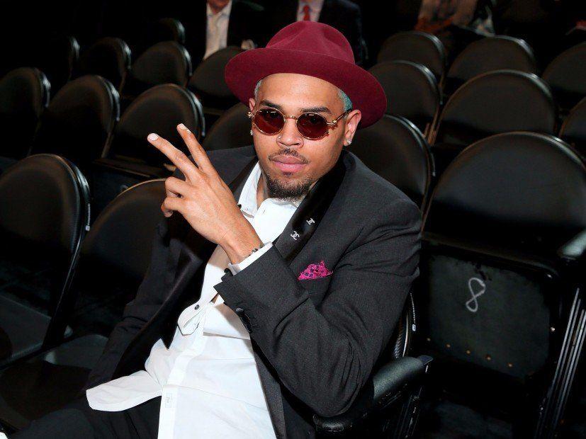 Chris Brown går i grafisk detalje om nat, han slog Rihanna